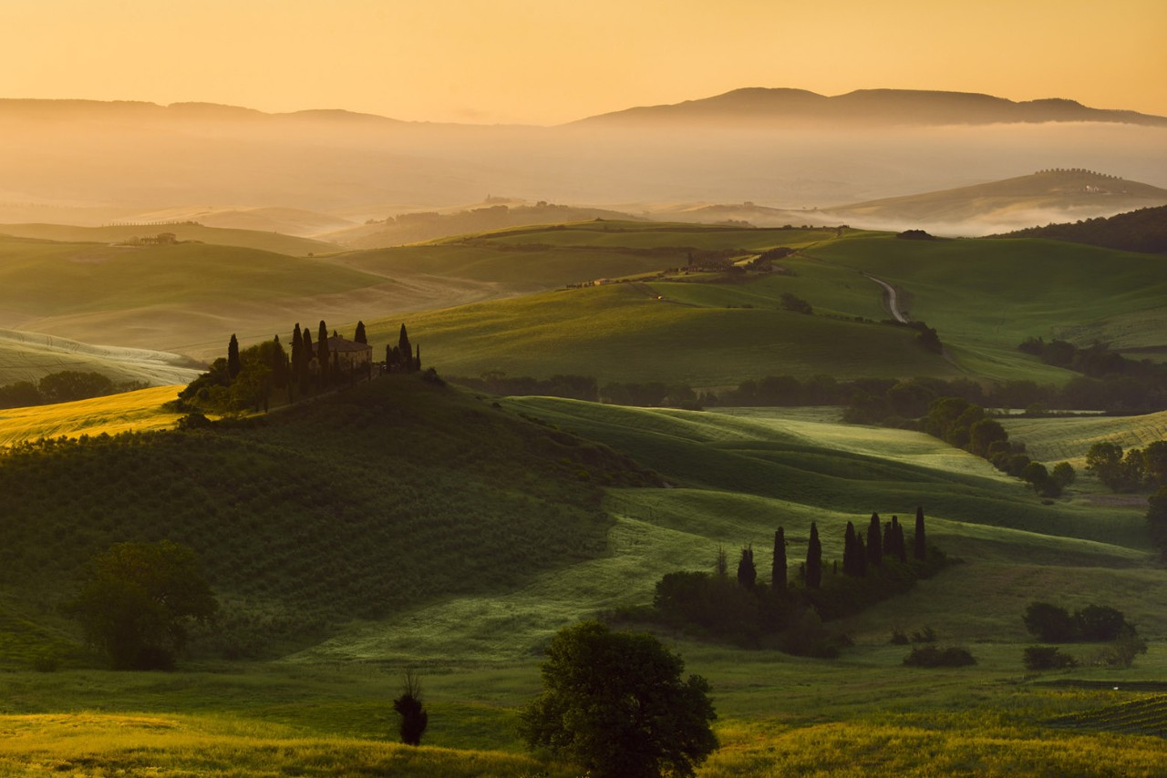 Italy, Tuscany, Siena District, Orcia Valley -Belvedere at sunrise